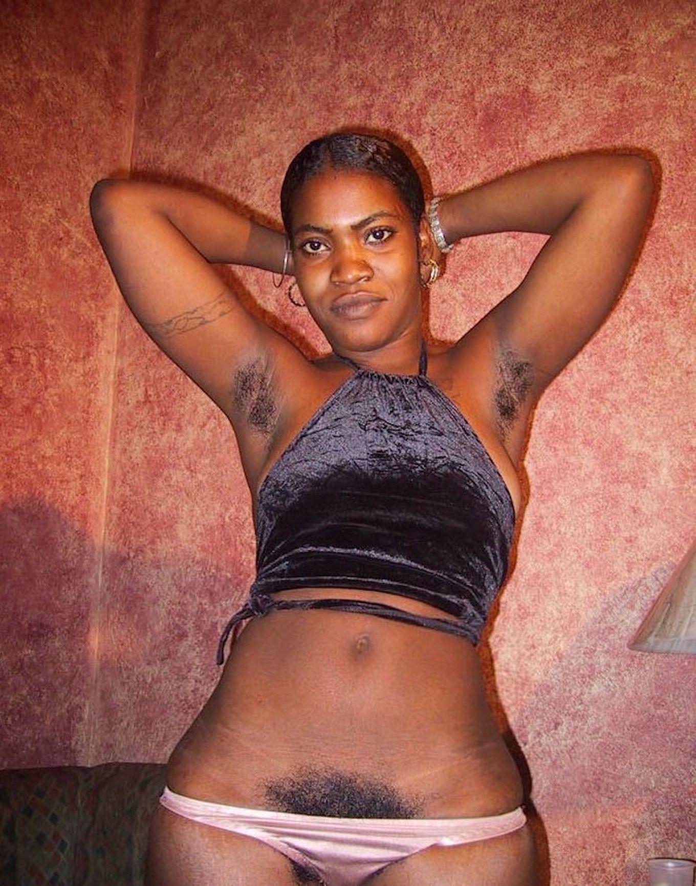 Гаитянка с лохматой писькой Жозефина