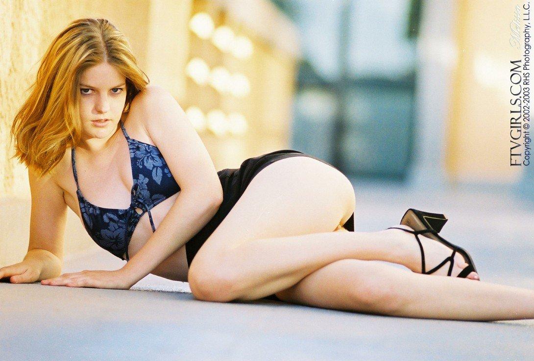 Сексуаьная девушка-подросток в голубом бикини FTV Melissa