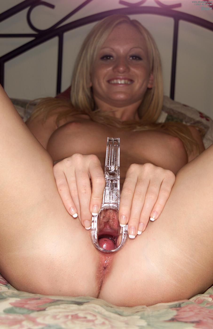Блондиночка Starr ALS счастлива во время мастурбации