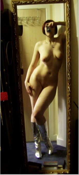 Интимные селфи пышногрудых тёлок