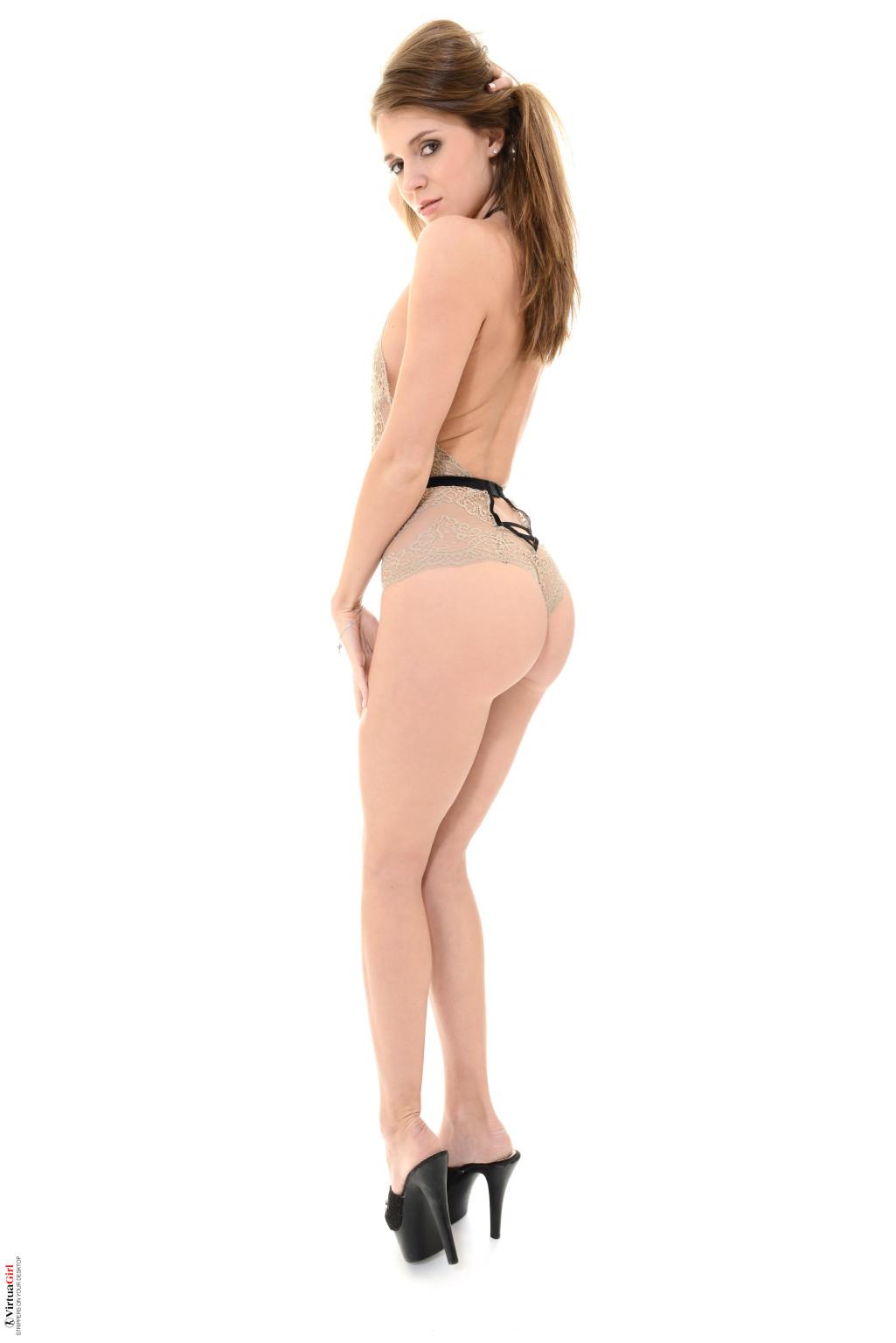 Сексуальный стриптиз Мари