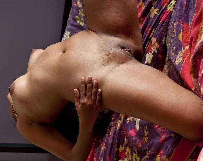 Индианки на фотках порно красуются раздетыми