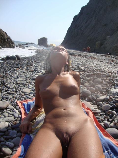 Шикарное лето для Молоденькой возбужденной телки на море