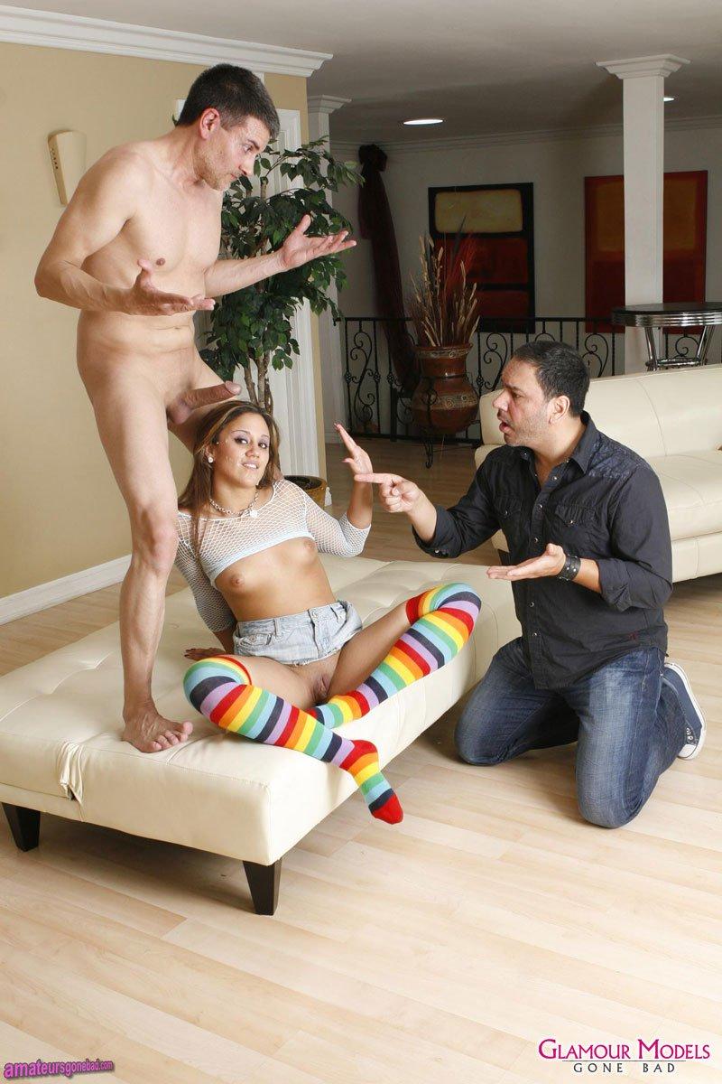 Загорелая сучка Lynn Love и два парня наслаждаются групповухой с кучей орального удовольствия