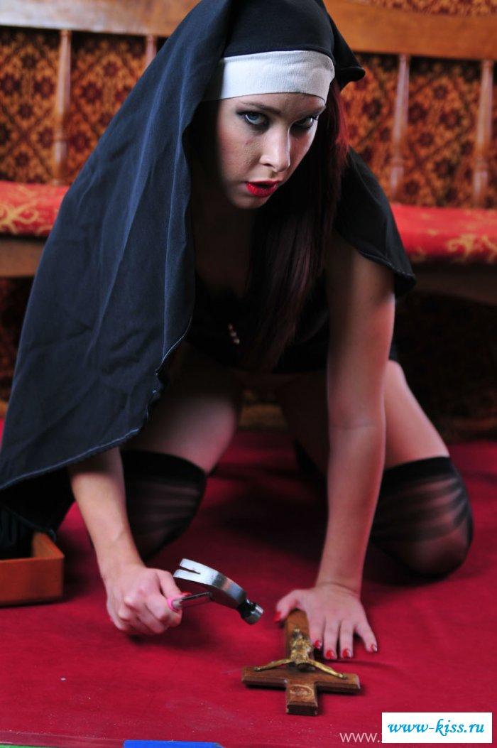 Эротика от гламурной монахини